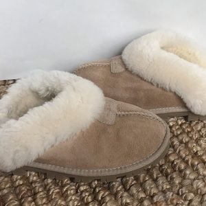 UGG Shoes - UGG Coquette Suede Clog Fur Slippers Size 7
